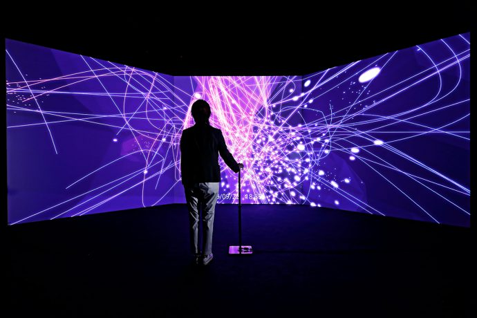 H3A1771 690x460 - 企業間のつながりを可視化するデータビジュアライゼーション「Dawn of Innovation」が国際学会 NetSci 2019 にてVisualization Prizeを受賞