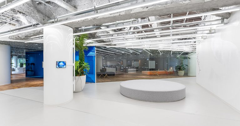 20211001 New Office 01 1 767x403 - Sansan、採用に特化した新エリアを本社オフィスに開設<br>~採用活動を加速させ、事業成長を後押し~